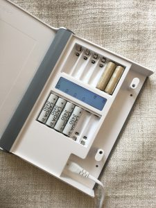 STORHOGEN battery charger and storage